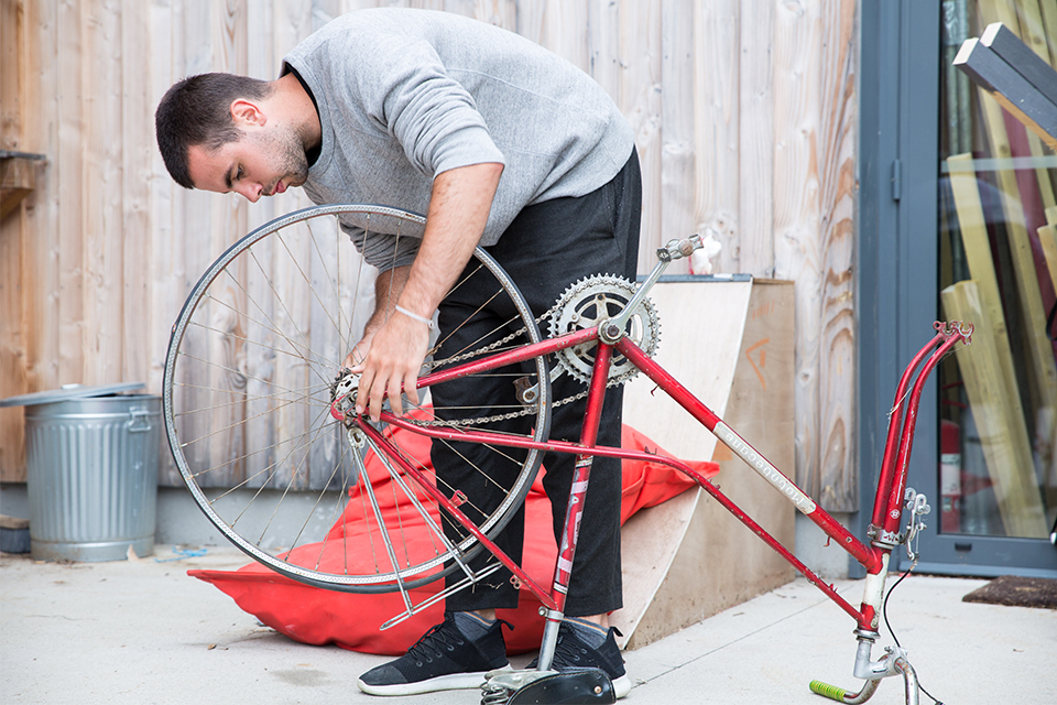 daniel parnitzke fixing bike